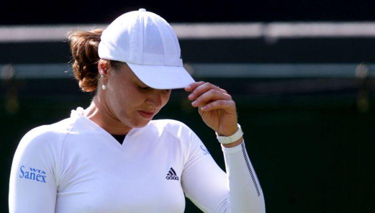 Martina Hingis Loses